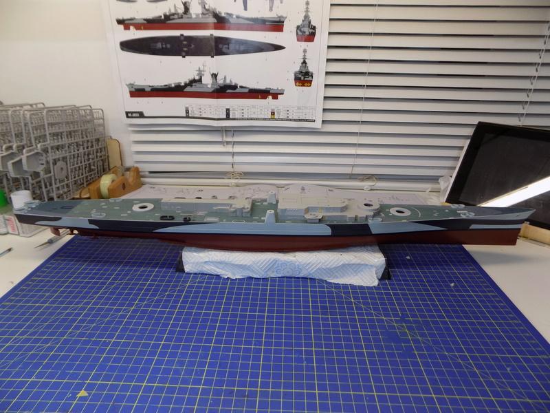 USS Alaska CB-1 de Hobby Boss 1/350ème - Page 3 Dscn1128