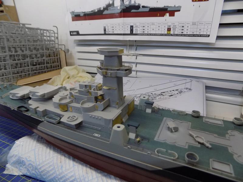 USS Alaska CB-1 de Hobby Boss 1/350ème - Page 4 Dscn1142