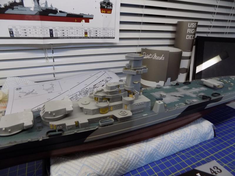 USS Alaska CB-1 de Hobby Boss 1/350ème - Page 4 Dscn1143