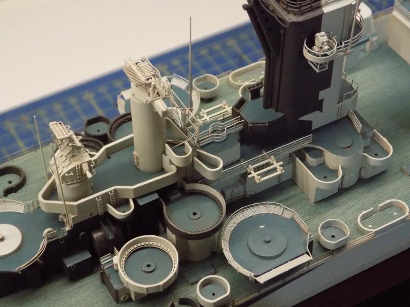 USS Alaska CB-1 de Hobby Boss 1/350ème - Page 8 Dscn1228