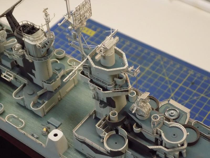 USS Alaska CB-1 de Hobby Boss 1/350ème - Page 8 Dscn1230