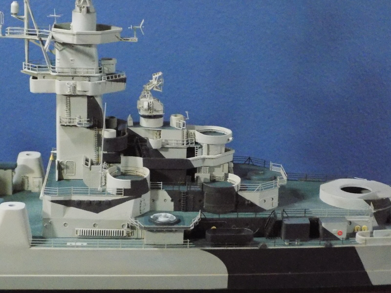 USS Alaska CB-1 de Hobby Boss 1/350ème - Page 8 Dscn1232
