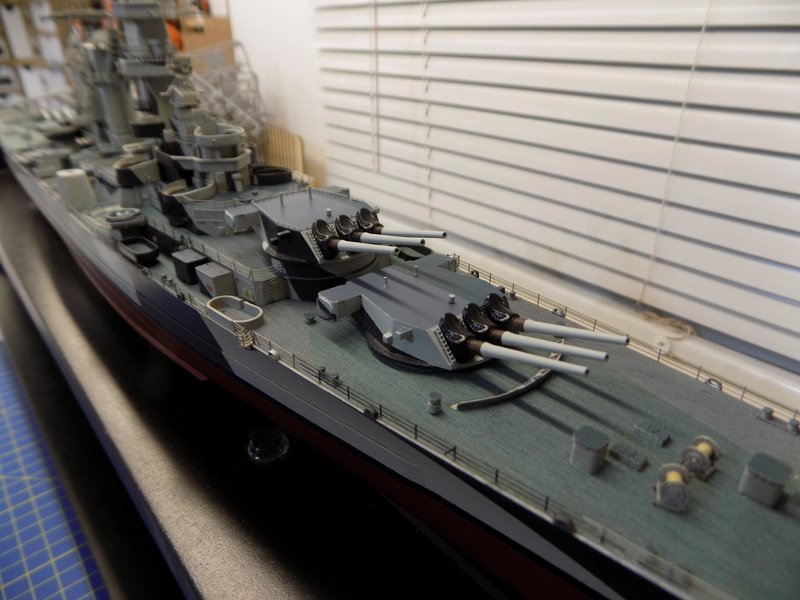 USS Alaska CB-1 de Hobby Boss 1/350ème - Page 9 Dscn1239