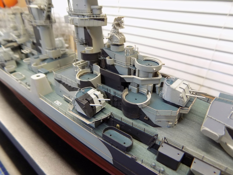 USS Alaska CB-1 de Hobby Boss 1/350ème - Page 9 Dscn1245