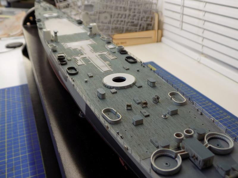 USS Alaska CB-1 de Hobby Boss 1/350ème - Page 12 Dscn1268