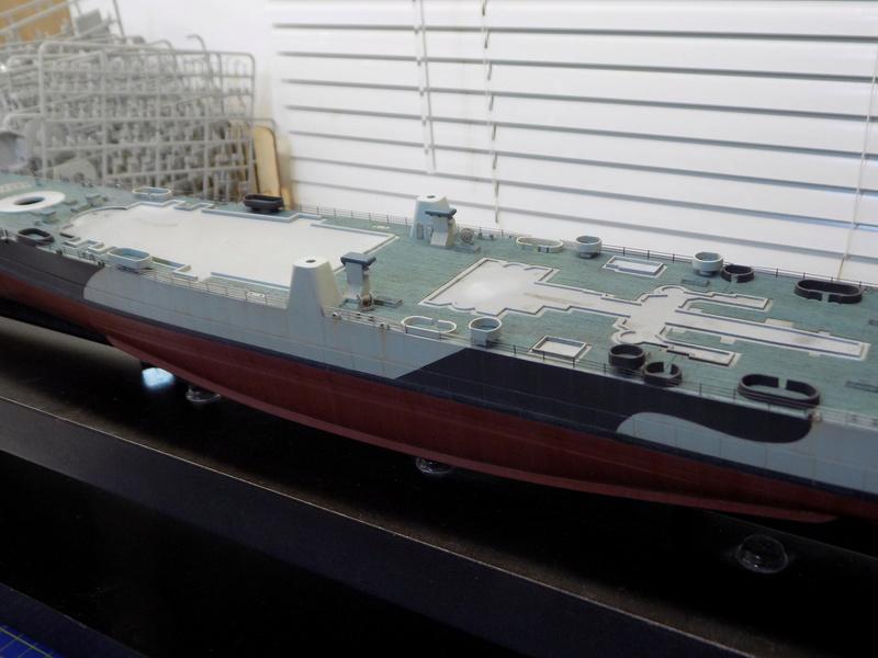 USS Alaska CB-1 de Hobby Boss 1/350ème - Page 12 Dscn1269