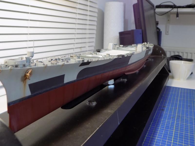 USS Alaska CB-1 de Hobby Boss 1/350ème - Page 12 Dscn1270