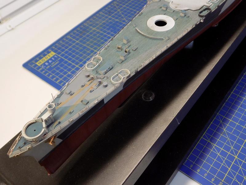 USS Alaska CB-1 de Hobby Boss 1/350ème - Page 12 Dscn1272