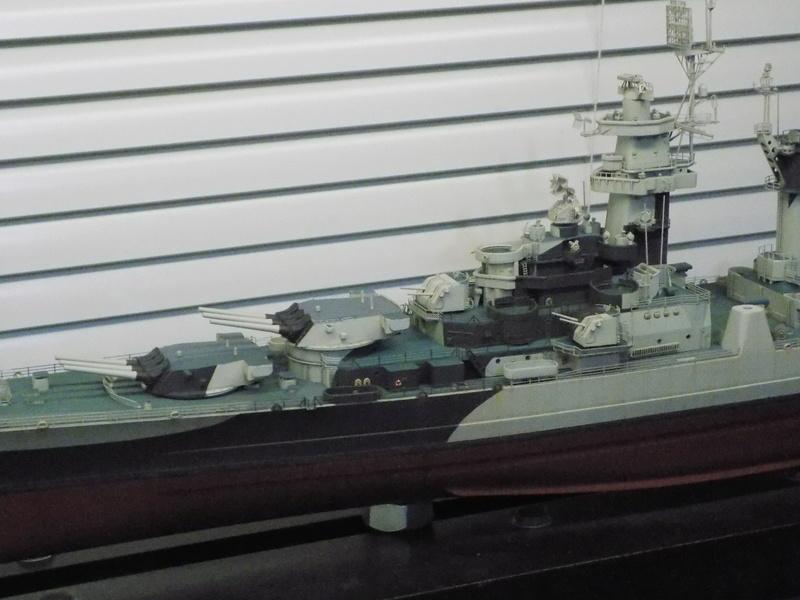 USS Alaska CB-1 de Hobby Boss 1/350ème - Page 14 Dscn1310