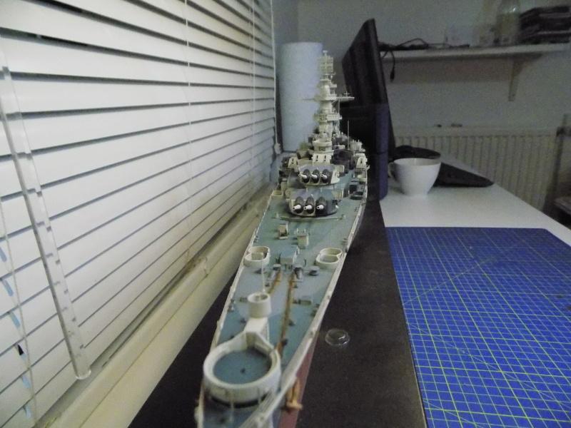 USS Alaska CB-1 de Hobby Boss 1/350ème - Page 14 Dscn1314