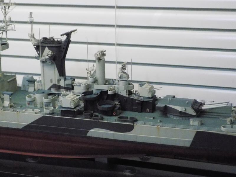 USS Alaska CB-1 de Hobby Boss 1/350ème - Page 14 Dscn1316