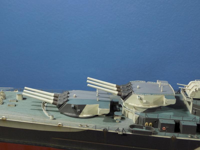 USS Alaska CB-1 de Hobby Boss 1/350ème - Page 14 Dscn1324