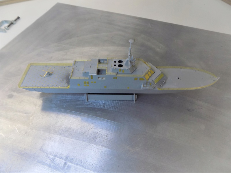 USS Fort Worth LCS-3 Trumpeter 1/350 Dscn1350