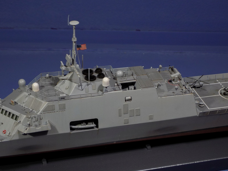 USS Fort Worth LCS-3 Trumpeter 1/350 Dscn1363
