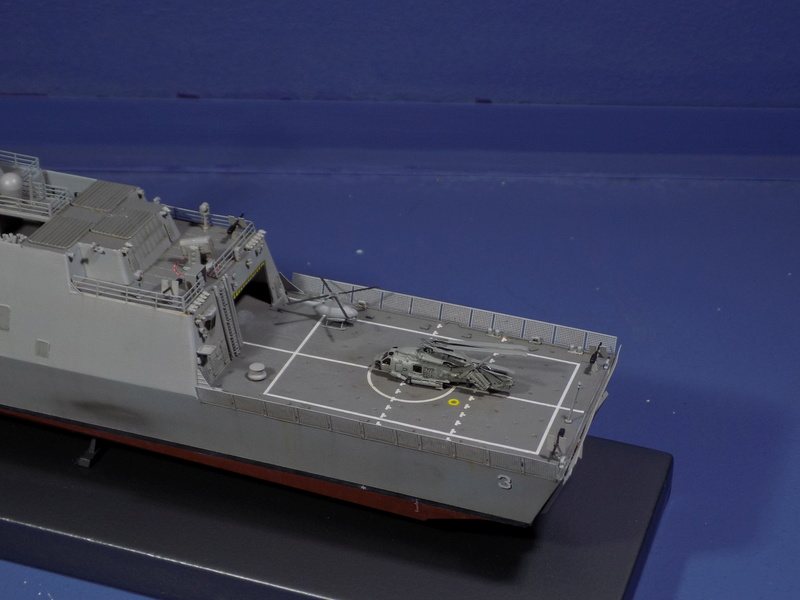 USS Fort Worth LCS-3 Trumpeter 1/350 Dscn1365