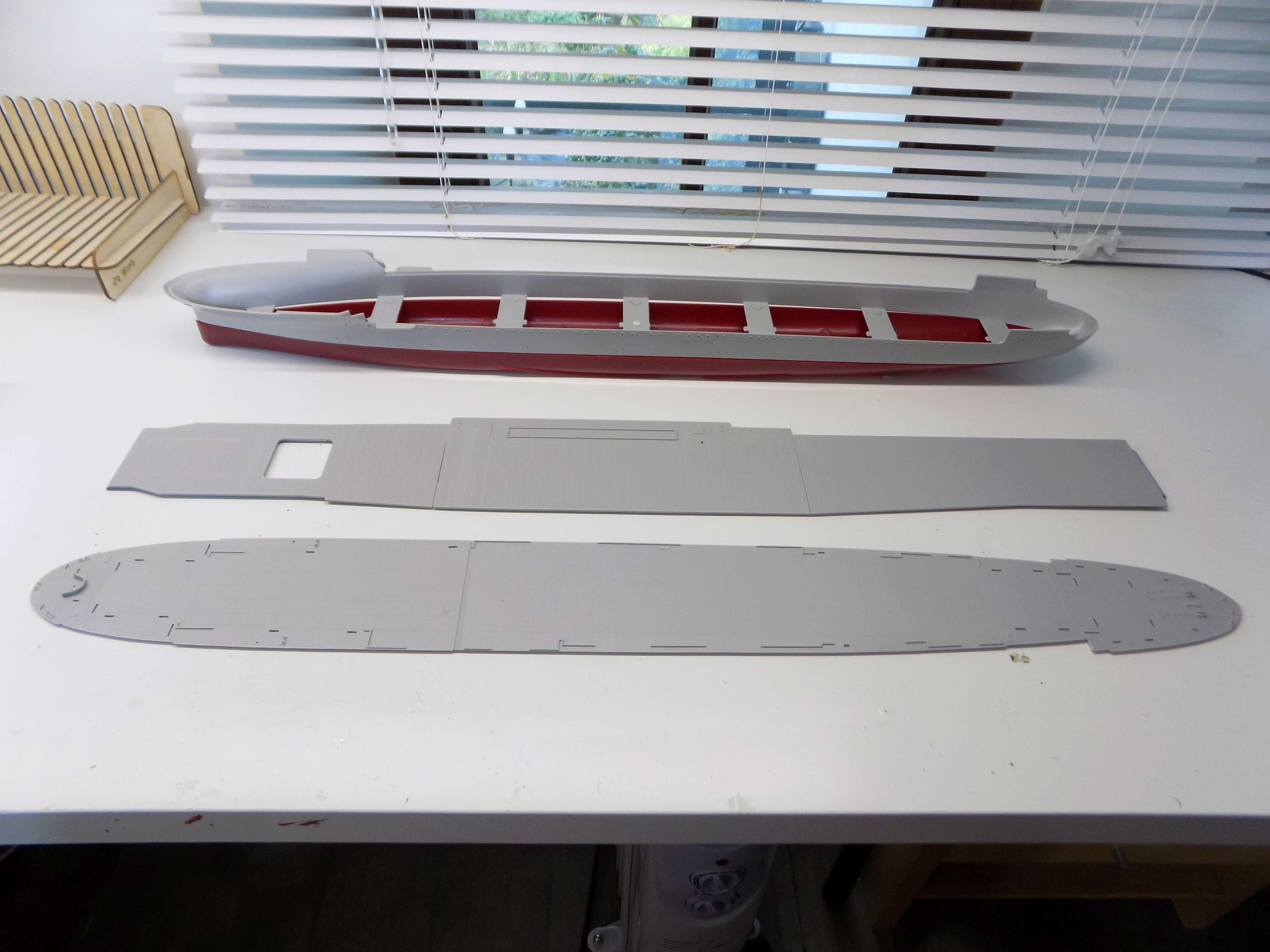 "USS HORNET CV-8 ""Raid on Tokyo"" 1/350 de Trumpeter - Page 2 Dscn1374"