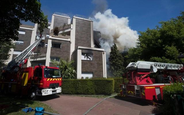 Incendie aux Maillard Jean Zay - Isolation extérieure des bâtiments - Page 3 77105810