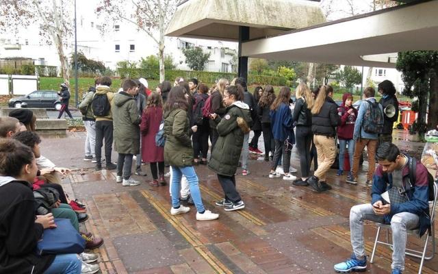 Lycée Pablo-Picasso - Agitation lycéenne 79606810