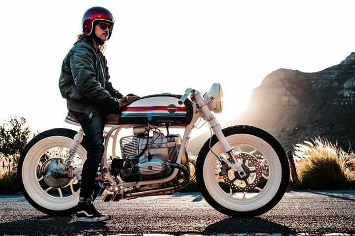 C'est ici qu'on met les bien molles....BMW Café Racer - Page 6 119