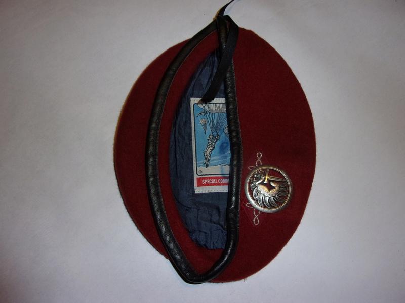 1° regiment of paratrooper hussars berets 108_0726
