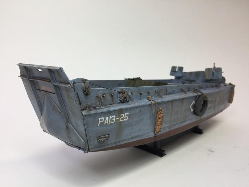 LCM (landing craft) Trumpeter 1/35 et LCVP (landing craft vehicle personal) Italeri 1/35 Img_5914