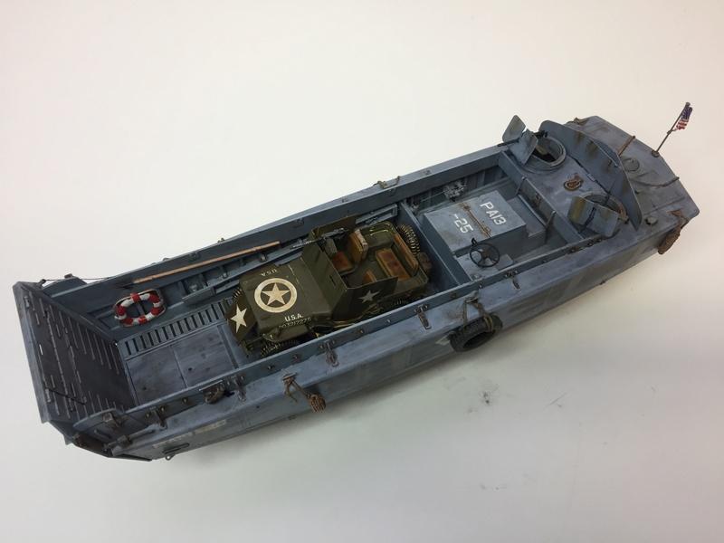 LCM (landing craft) Trumpeter 1/35 et LCVP (landing craft vehicle personal) Italeri 1/35 Img_5916