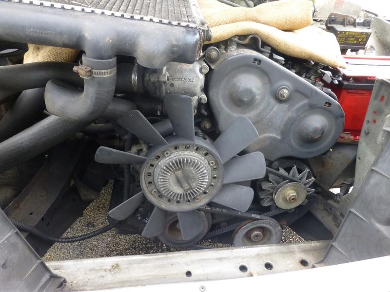 Pompe à eau moteur J8S 19_p1110