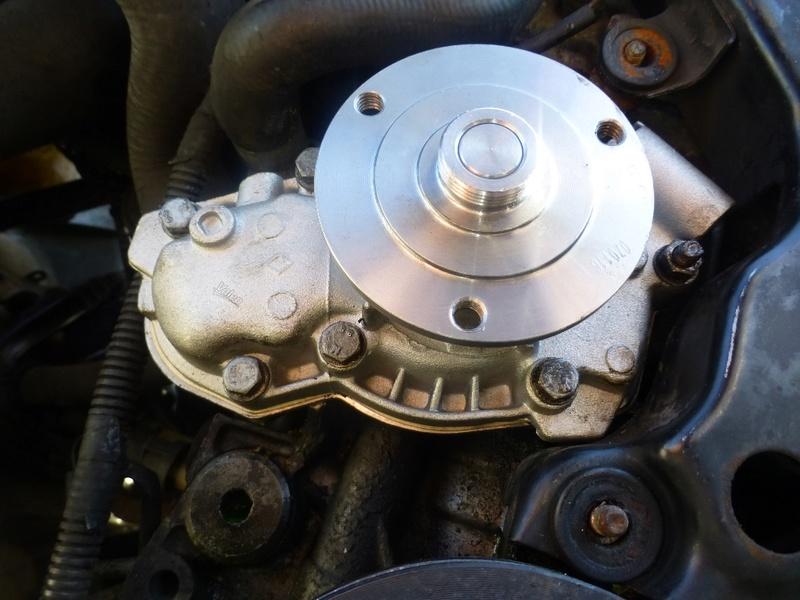 Pompe à eau moteur J8S 25_p1110