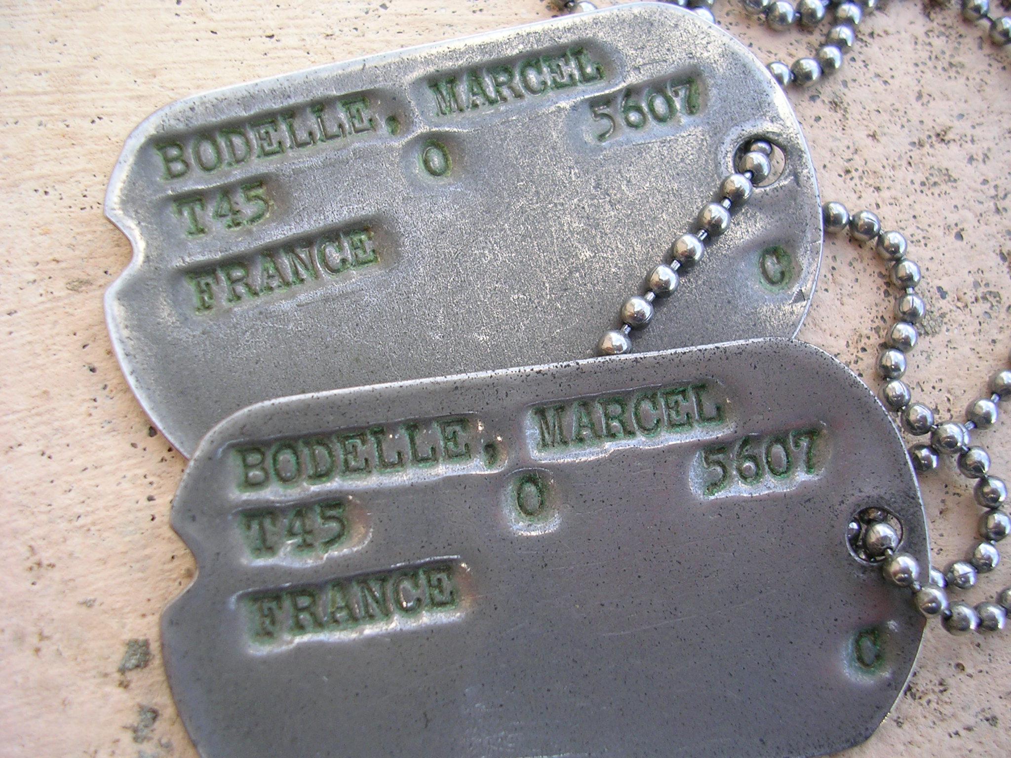 dog tag soldat français 1945 Dscn0018