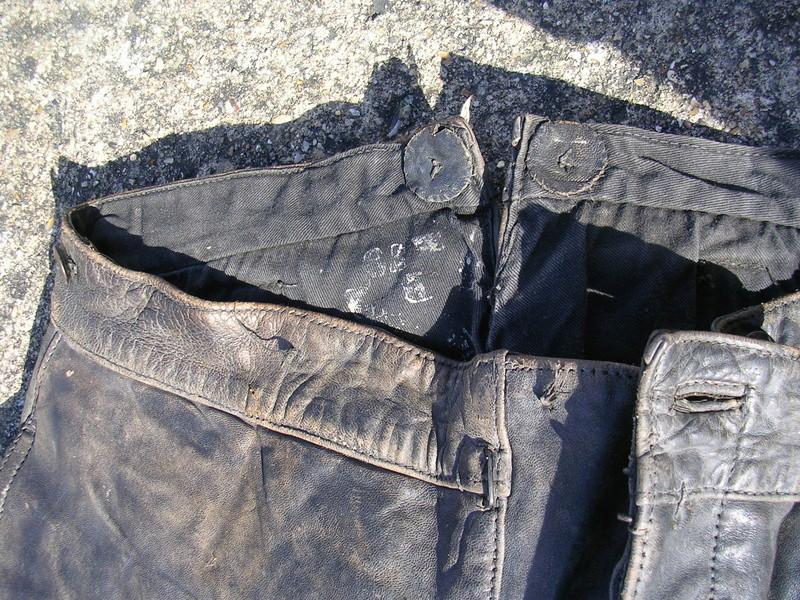 pantalon cuir très ancien à estimer (aéronautique, pompier ww1 ?) Dscn8663