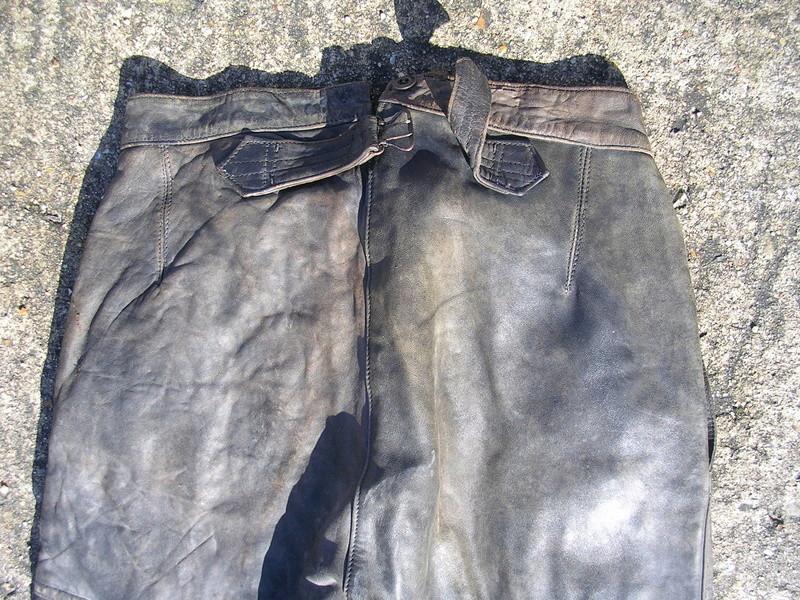 pantalon cuir très ancien à estimer (aéronautique, pompier ww1 ?) Dscn8664