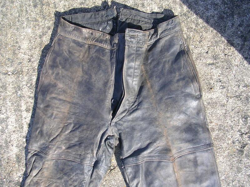 pantalon cuir très ancien à estimer (aéronautique, pompier ww1 ?) Dscn8669