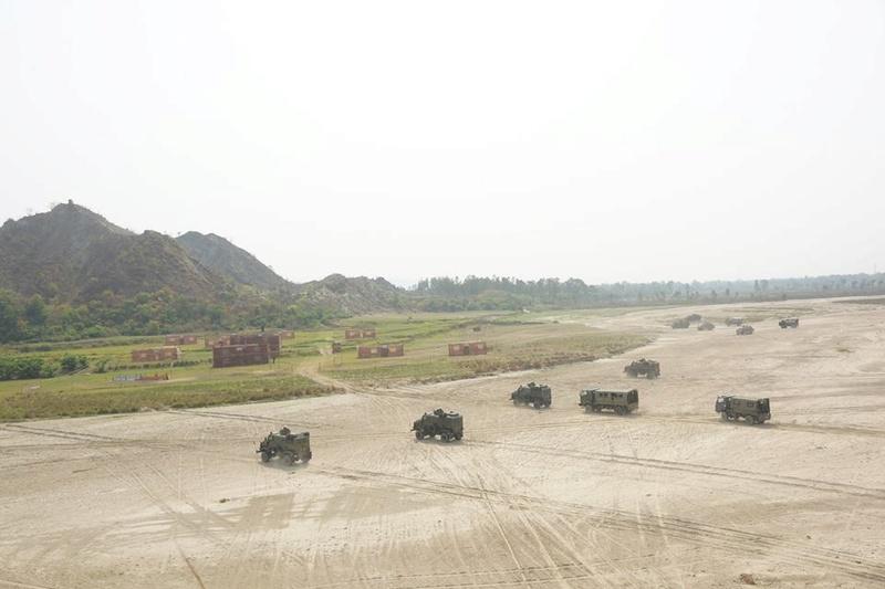 Armée Népalaise 1013