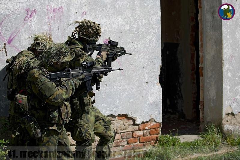 Armée tchèque/Czech Armed Forces - Page 10 1213