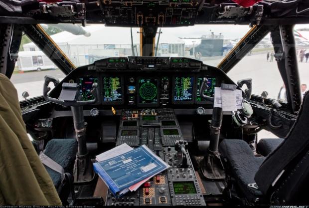 Avions de transport tactique/lourd - Page 6 13a10b14