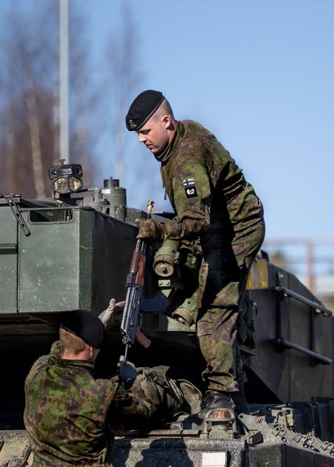 Armée Finlandaise / Finnish Defence Forces / puolustusvoimat - Page 9 1613