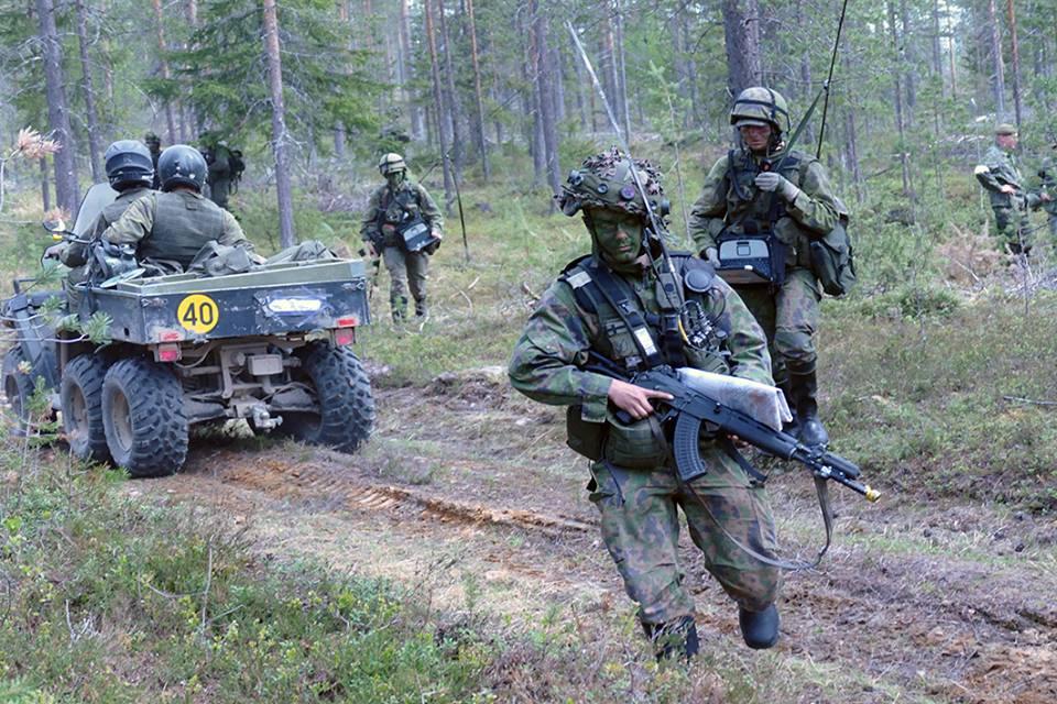 Armée Finlandaise / Finnish Defence Forces / puolustusvoimat - Page 9 2040