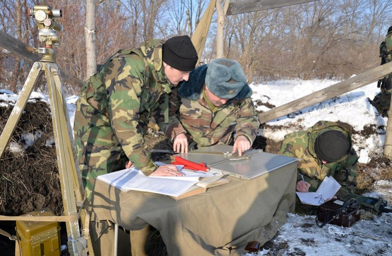 Forces armées moldaves - Page 2 20413