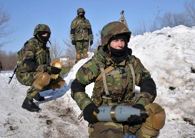 Forces armées moldaves - Page 2 20513