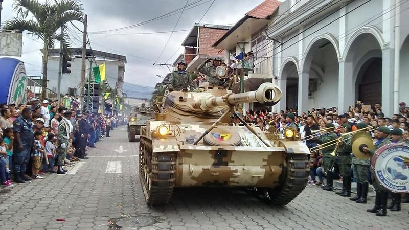 Armée Equatorienne/Fuerzas Armadas del Ecuador - Page 5 20716