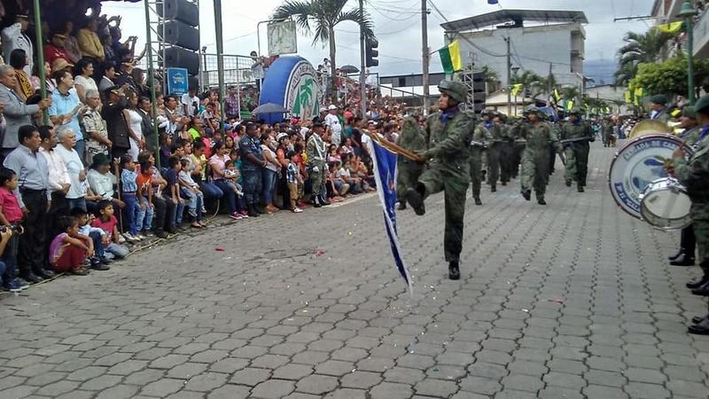 Armée Equatorienne/Fuerzas Armadas del Ecuador - Page 5 20912