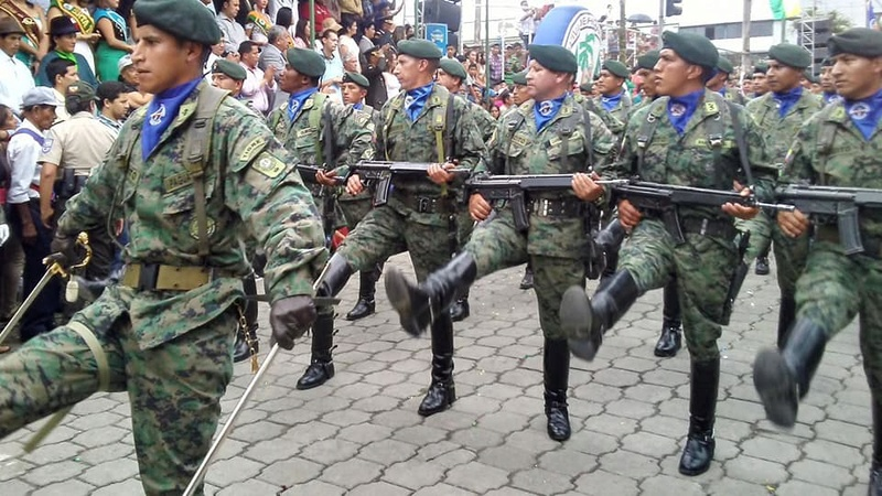 Armée Equatorienne/Fuerzas Armadas del Ecuador - Page 5 21012