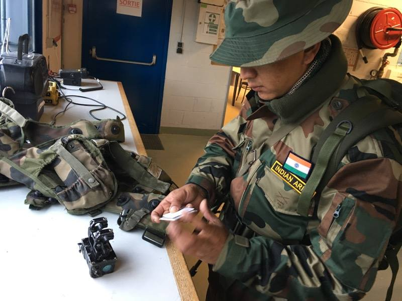 Armée Indienne / Indian Armed Forces - Page 22 21016