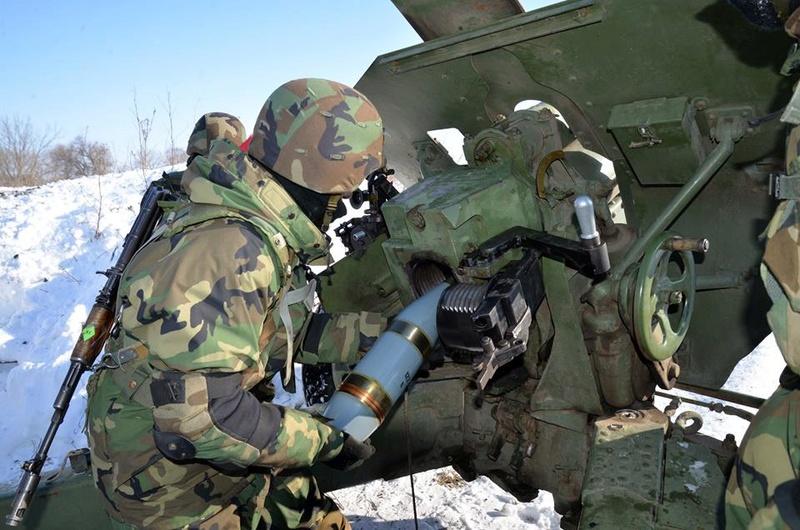 Forces armées moldaves - Page 2 21111
