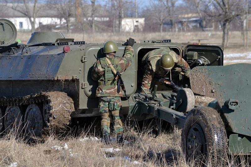 Forces armées moldaves - Page 2 21418