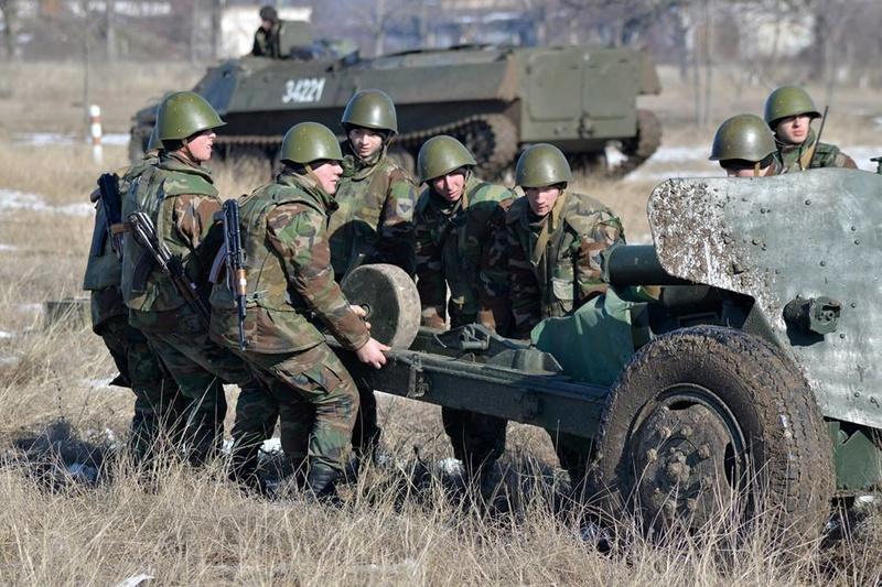 Forces armées moldaves - Page 2 21614