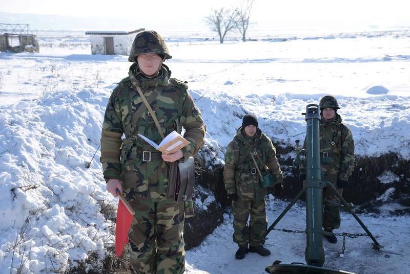 Forces armées moldaves - Page 2 21910