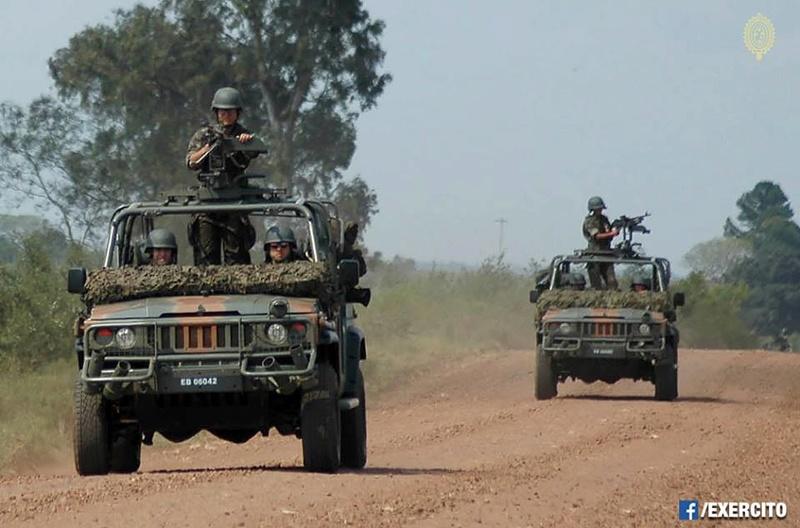 Armée Brésilienne/Brazilian Armed Forces/Forças Armadas Brasileiras - Page 33 21914
