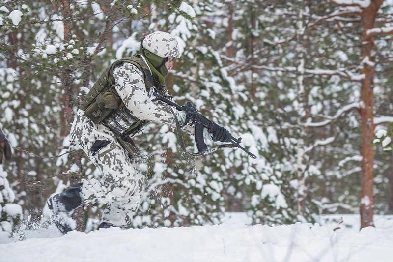Armée Finlandaise / Finnish Defence Forces / puolustusvoimat - Page 9 22426