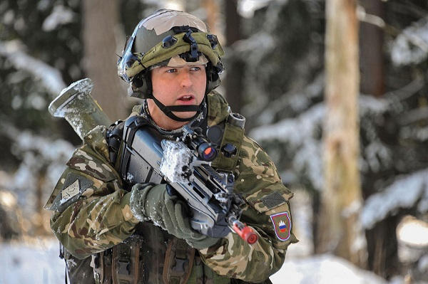 Slovenian Armed Forces / Slovenska vojska - Page 3 23030